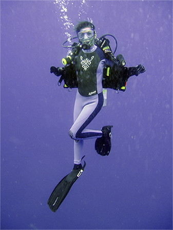 The beauty of EXCEED underwater! - Scuba Diving, 2004