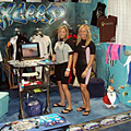SurfExpo2007 booth friends
